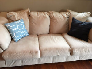 2 matching couches, excellent condition (100$ each)