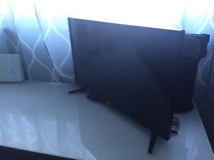"5 day old RCA 26"" LED 720p HDTV"