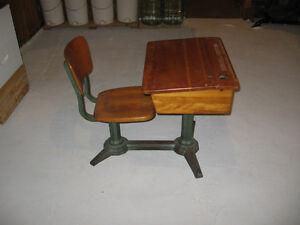 pupitres ecolier acheter et vendre dans qu bec petites annonces class es de kijiji. Black Bedroom Furniture Sets. Home Design Ideas