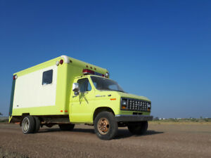 1988 Ford E-350 LOW KM'S!!