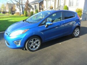 2011 Ford Fiesta ses 759000 km toit cuir comme neuf l prix ferme