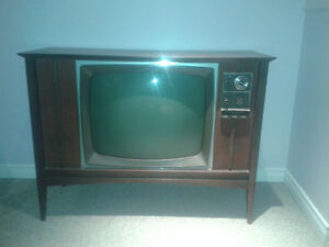 Electrohome Antique Tube Type Television - Working