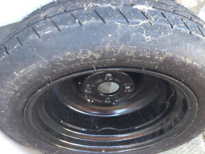 2 spare car tires w rims Windsor Region Ontario image 3