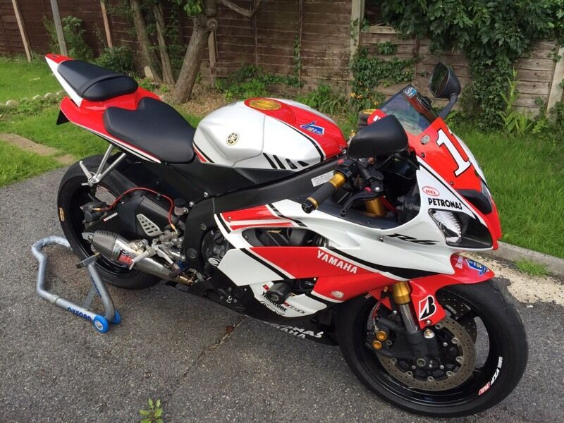 Yamaha r6 2012 in waterlooville hampshire gumtree for 2012 yamaha r6 for sale