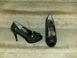 Ladies Dress High-Heel Shoes Size 9