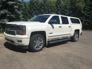 2014 Chevrolet 1500 High County Low KMs