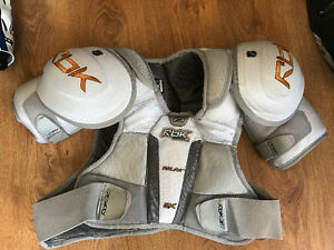 RBK FitLite 6K Adult Shoulder Pads