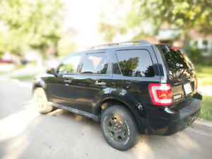 2010 Ford Escape XLT - Excellent condition, CERTIFIED