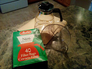 Melitta Drip Coffee Pot with package of Filters Cambridge Kitchener Area image 1