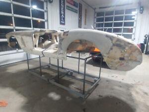 Recherche Débosseur pour faire Chevrolet Corvette 58