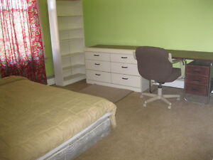 STUDENT APARTMENT---BIG FURNISHED ROOM AVAILABLE MAY 1