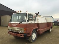 Hino fully contained sand blast unit ready to go to work!