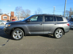 2010 TOYOTA HIGHLANDER  SPORT 7 PASSENGER TRADE WELCOME