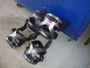 2 KNEE BRACES Windsor Region Ontario image 1