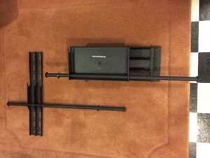 Adjustable Tilting/Swiveling TV Wall Mount Bracket