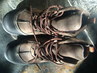 Clarks' Men Boots - size 8 1/2 -- NEVER USED !!!