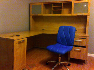 Beautiful L Desk with Hutch, ideal for student or professional