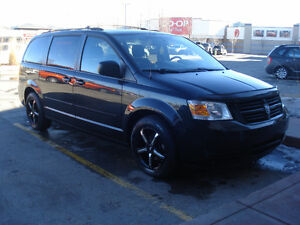 2010 GRAND CARAVAN SE, ONLY 131KM, IN AWESOME CONDITION !!!!