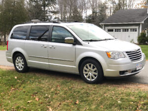 2010 Chrysler Town and Country van for sale