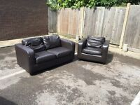 2x leather sofas, Free delivery
