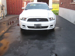 2012 Ford Mustang Coupe (2 door) 75000K