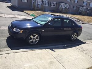 Mint condition 04 A4 with low kms-AWD!