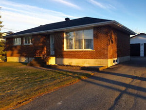 3+1 BEDROOM BRICK BUNGALOW PLUS DOUBLE GARAGE