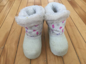 Girls winter boots size 7