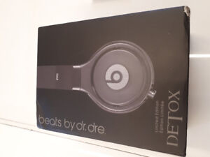 BRAND NEW BEATS PRO NEVER USED TO EXCHANGE FOR STUDIO3 WIRELESS