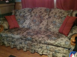 Roxton Couch & Chair Set