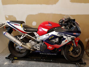 Mint condition Fireblade CBR 929RR