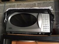 Delonghi Microwave Oven / Grill