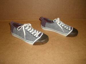 SOREL Gray & Brown Insulated Sneakers Size 7 London Ontario image 3