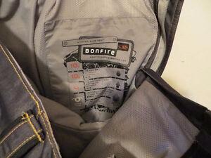 Womens Bonfire Ski Snowboard Pants waist size is 33 inches Belleville Belleville Area image 4