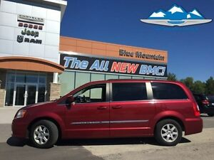 2011 Chrysler Town  Country Touring   ACCIDENT FREE, LOCAL TRADE