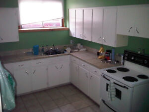 *BEAUTIFUL CENTRAL 2BRM APARTMENT (HEAT&LIGHTS INCLUDED)*