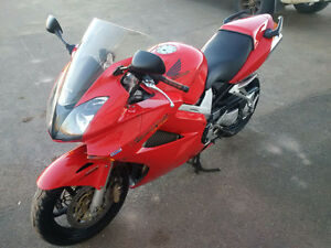 **$26 per WEEK**  2002 HONDA VFR 800  -  LOW KMS!!  GOOD SHAPE!