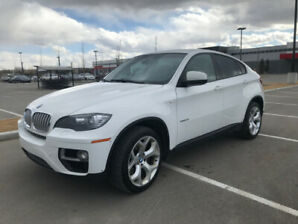 **Must See, Clean!**    2013 BMW X6 xDrive 50i