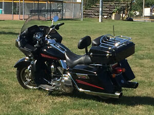 2008 ROAD GLIDE FLTR, ONE OWNER LOADED!! LOW KMS!