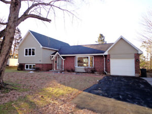 Immaculate, Spacious Property in Rothesay!
