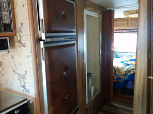 1983 Arrowspace 33 Foot Motorhome for Sale / Trade Cornwall Ontario image 7