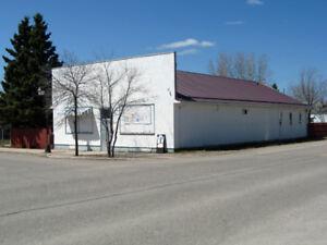 Commercial Building w/Suites in Cranberry Portage