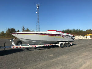 Baja Outlaw 33 pieds impeccable 2005