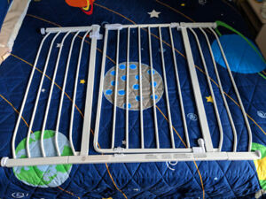 "Baby gate 28"" to 47.5"""