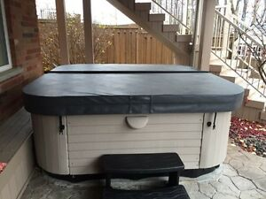 8 Person Marquis Hot Tub