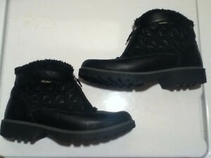 Women's SoftMoc Winter Boots/Shoes Size 8.5 London Ontario image 1