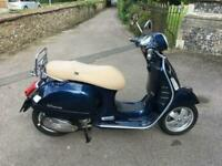 2014 (64) Piaggio Vespa GTS 300 Super Scooter - Midnight Blue - ONLY 880 miles