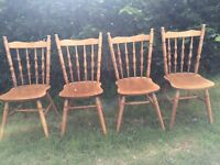 4 SOLID WOOD COUNTRY KITCHEN CHAIRS