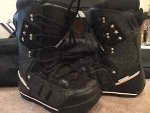 Roxy Ally Snowboard - boots, bindings and bag included West Island Greater Montréal image 4
