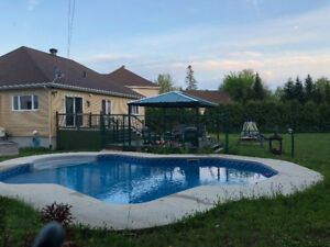LAURENTIANS POOL&HOME for SUMMER VACATION